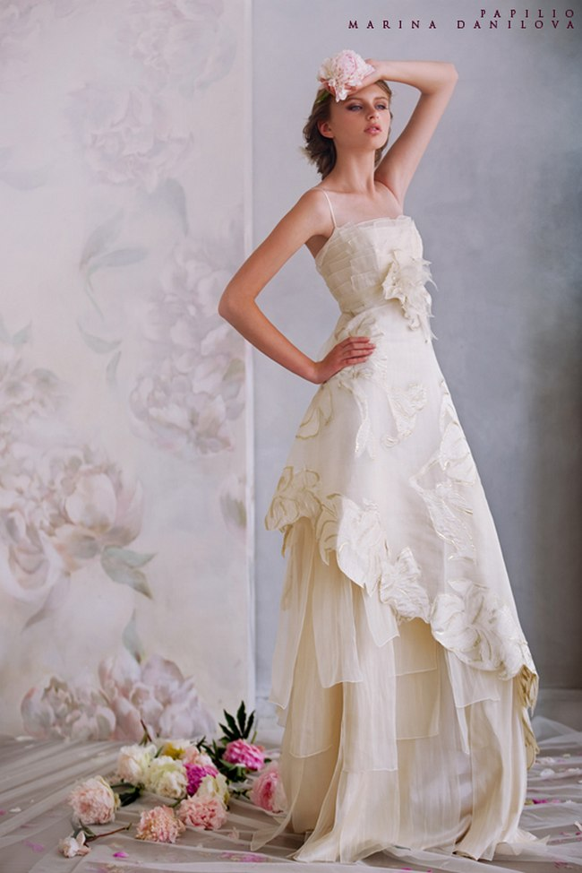 Красивые свадебные платья фото 2012, различные стили свадебных платьев короткие, пышные, необычные (20)