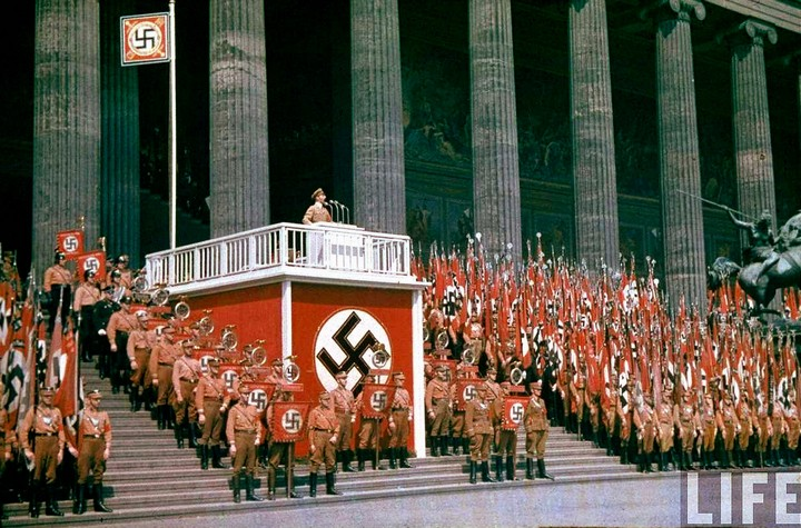 the role of art in the national socialist germany