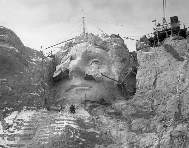 Как строили национальный мемориал гора Рашмор (3)