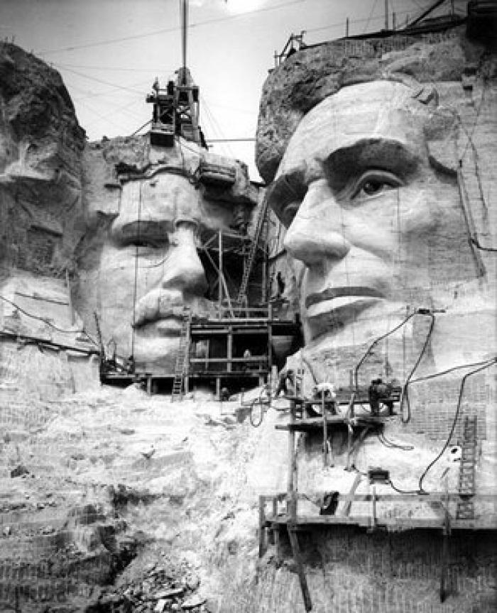 Как строили национальный мемориал гора Рашмор (8)