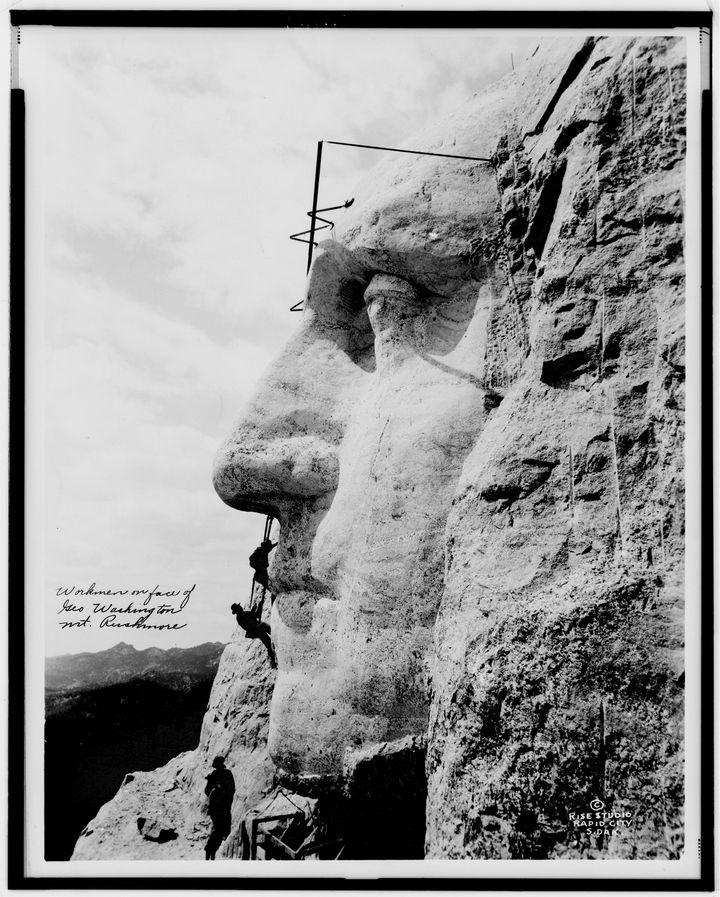 Как строили национальный мемориал гора Рашмор (9)