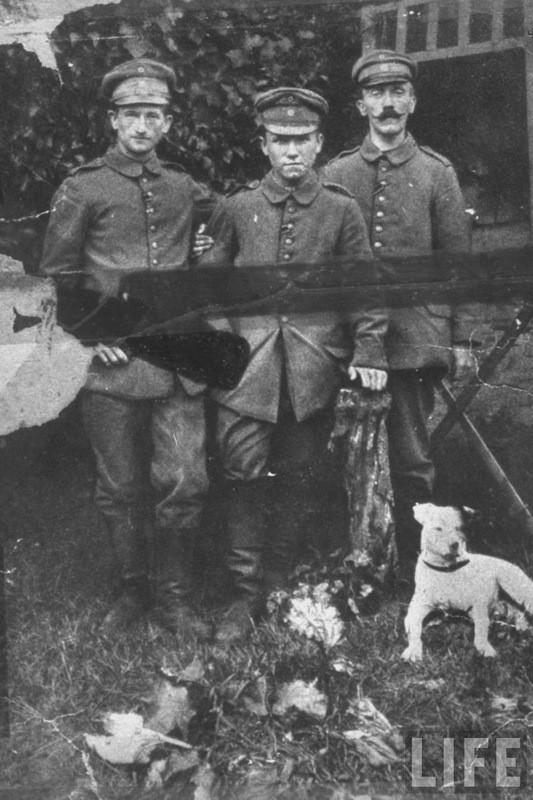 Адольф Гитлер. Жизненный путь в фотографиях (9)