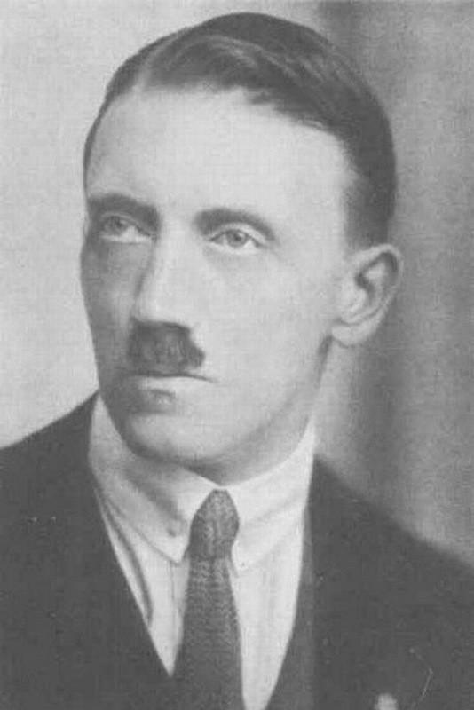 Адольф Гитлер. Жизненный путь в фотографиях (11)