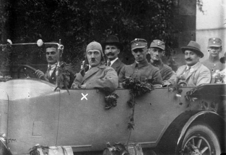 Адольф Гитлер. Жизненный путь в фотографиях (12)