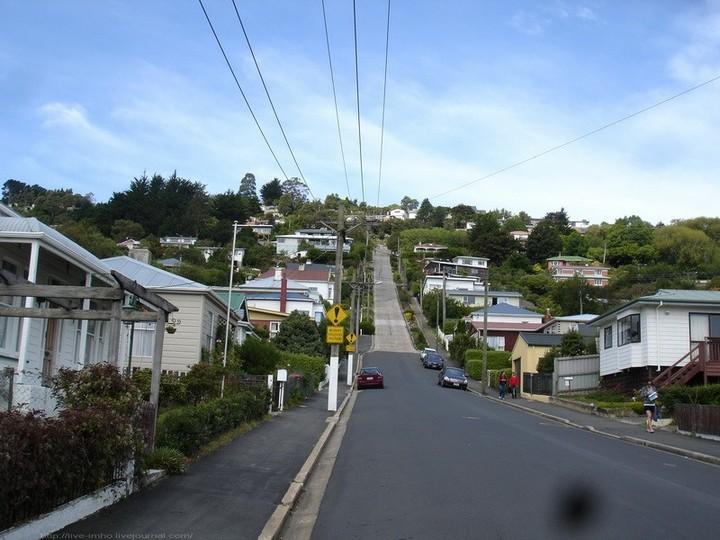 самая крутая улица занесенная в Книгу рекордов Гиннеса, улица на крутом склоне. Самая крутая улица Baldwin Street в Новой Зеландии (12)