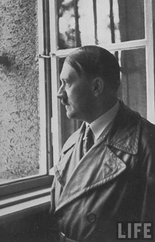 Адольф Гитлер. Жизненный путь в фотографиях (19)