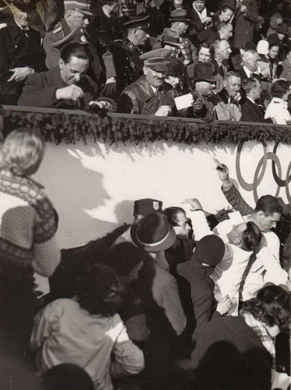 Адольф Гитлер. Жизненный путь в фотографиях (21)