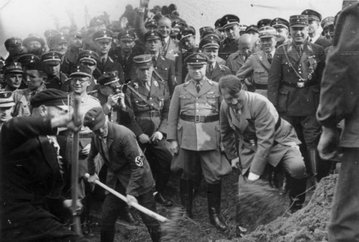 Адольф Гитлер. Жизненный путь в фотографиях (25)