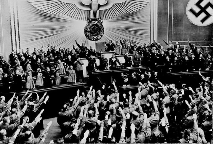 Адольф Гитлер. Жизненный путь в фотографиях (26)