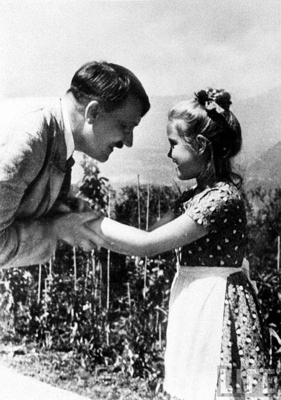 Адольф Гитлер. Жизненный путь в фотографиях (42)