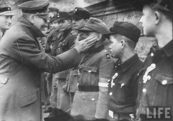 Адольф Гитлер. Жизненный путь в фотографиях (57)