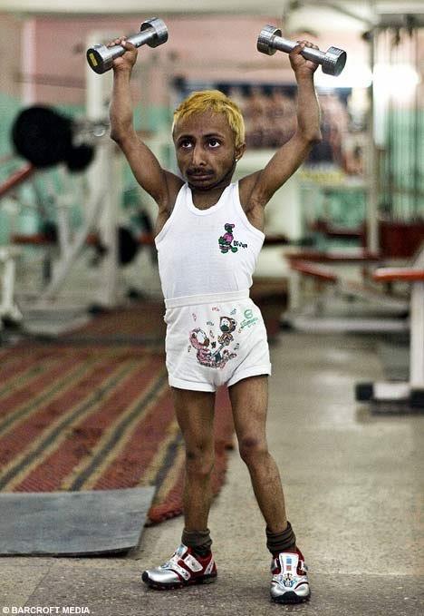 Самый маленький бодибилдер в мире из Индии Адития Ромео (2)