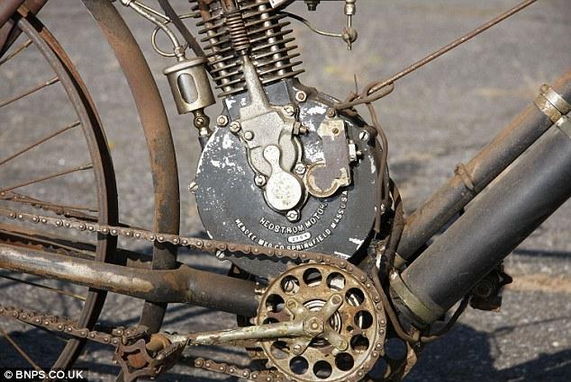 """""""Camelback 1906"""" - самый старый мотоцикл в мире (2)"""