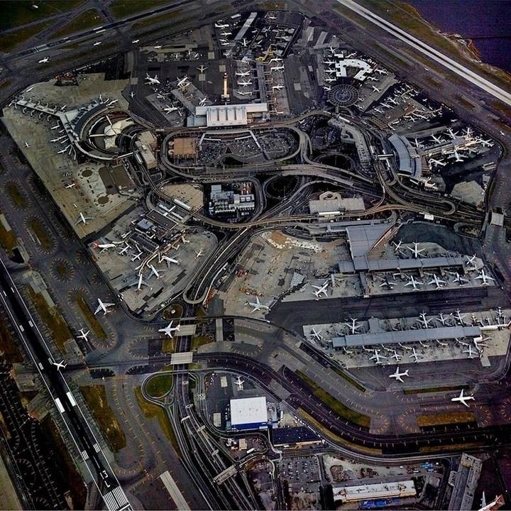 аэропорт с высоты птичьего полета (1)