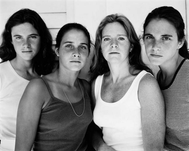 каждый год по фото, как стареют люди, четыре сестры (4)