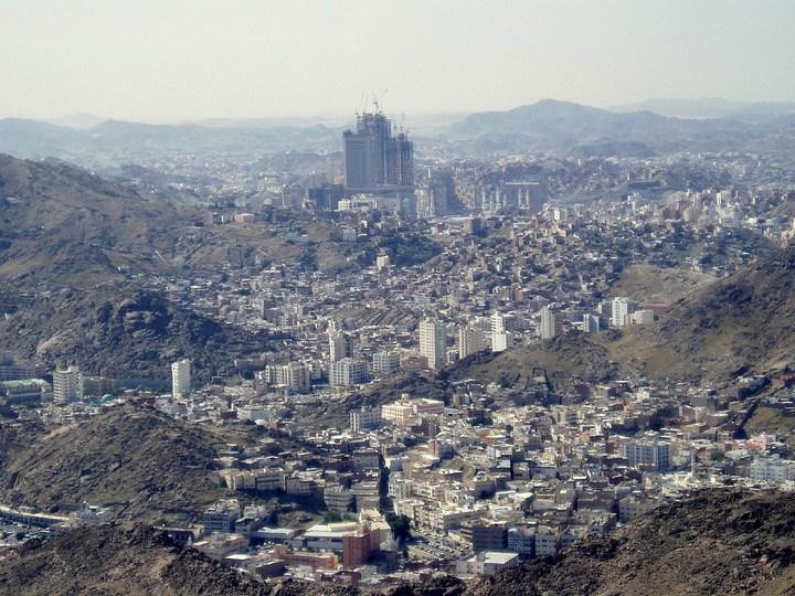 """Огромная башня с часами в Саудовской Аравии — """"Makkah Clock Royal Tower"""", мега стройка (5)"""