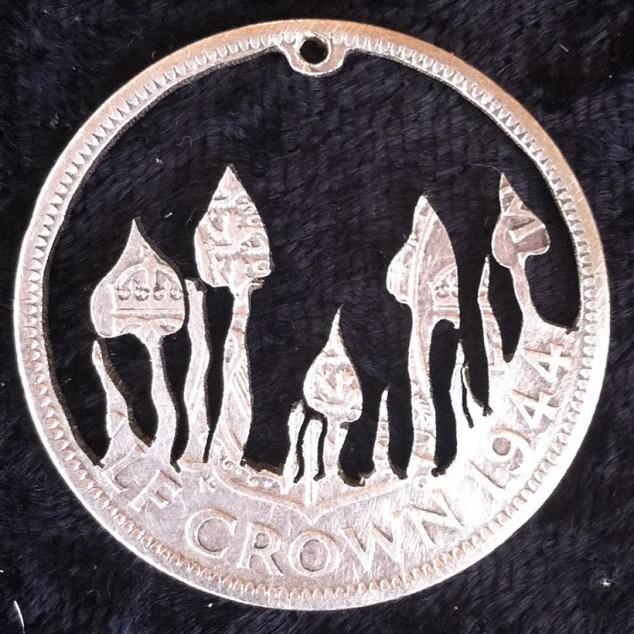 Красивые кулоны из старых монет (7)