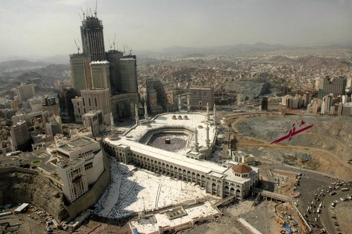 """Огромная башня с часами в Саудовской Аравии — """"Makkah Clock Royal Tower"""", мега стройка (7)"""