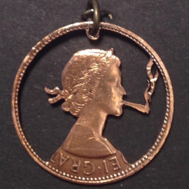 Красивые кулоны из старых монет (10)