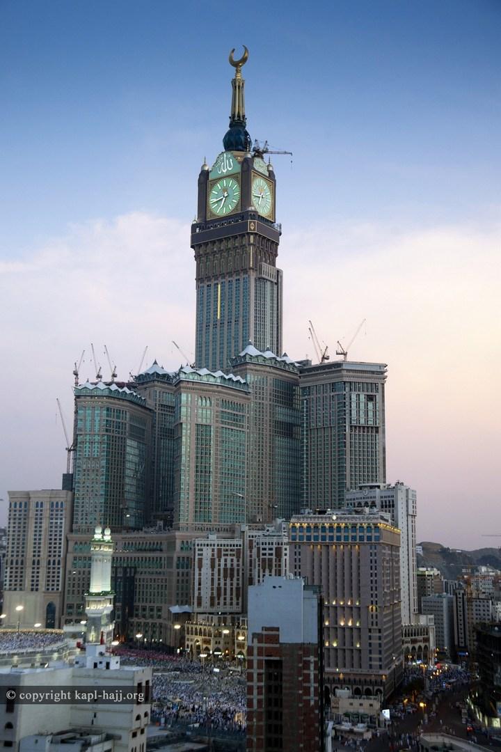 """Огромная башня с часами в Саудовской Аравии — """"Makkah Clock Royal Tower"""", мега стройка (10)"""