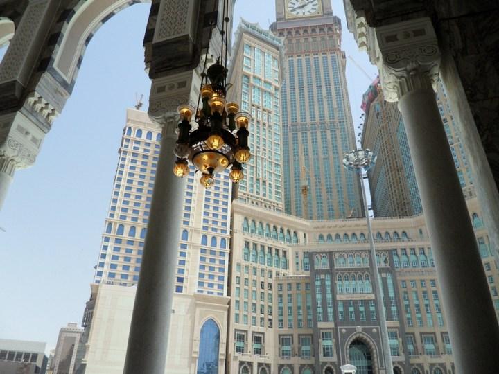 """Огромная башня с часами в Саудовской Аравии — """"Makkah Clock Royal Tower"""", мега стройка (12)"""