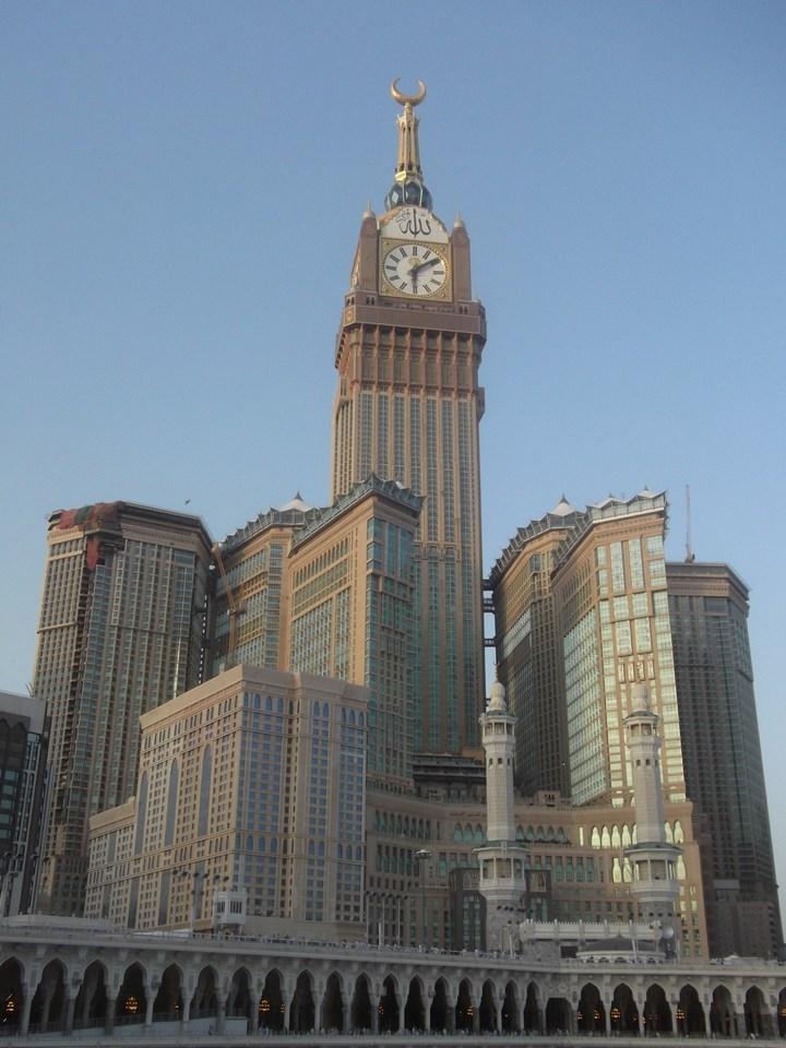 """Огромная башня с часами в Саудовской Аравии — """"Makkah Clock Royal Tower"""", мега стройка (26)"""