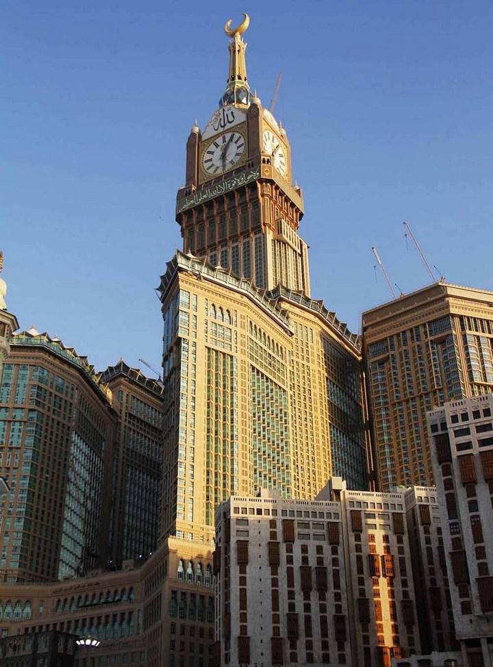 """Огромная башня с часами в Саудовской Аравии — """"Makkah Clock Royal Tower"""", мега стройка (27)"""