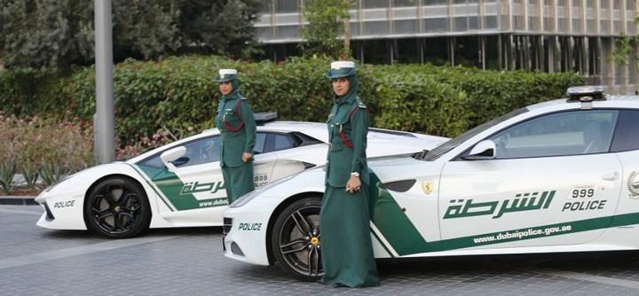 Раскошные полицейские машины в Дубаи (1)