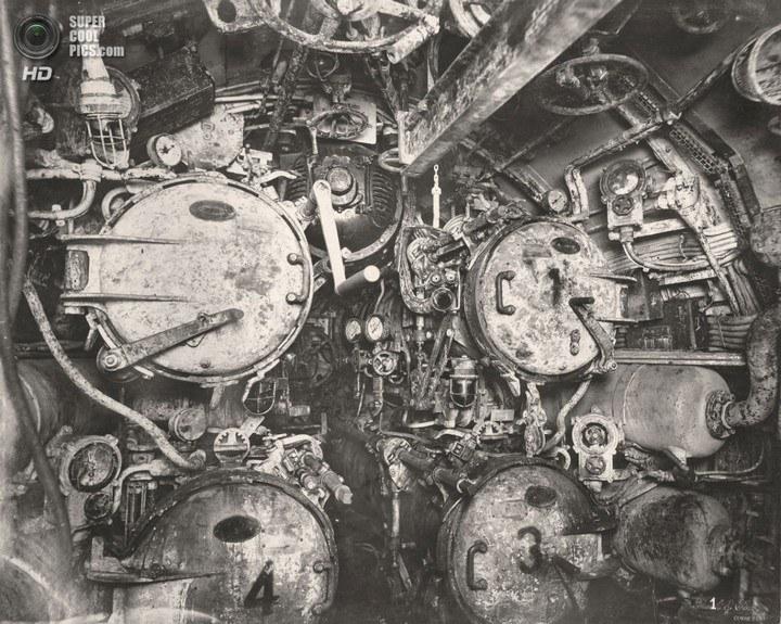 Немецкая подлодка SM UB-110, устройство, вид изнутри (2)