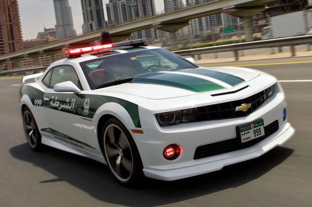 Раскошные полицейские машины в Дубаи (15)