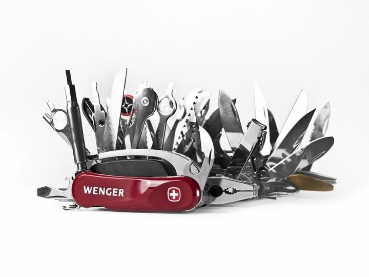 Самый большой в мире швейцарский многофункциональный нож Wenger Giant Knife (3)