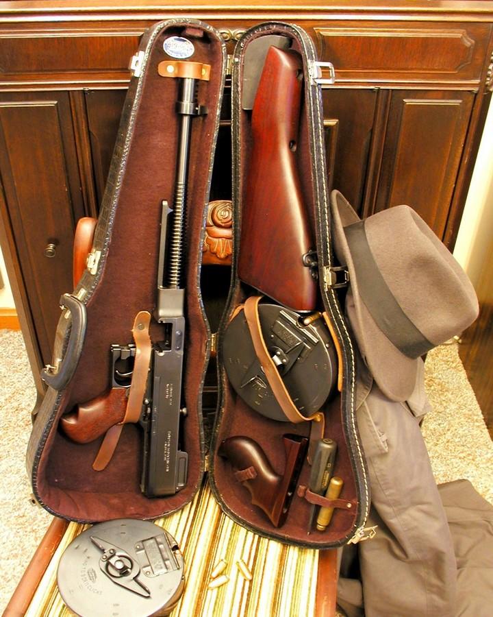 интересное фото, как вооружались гангстеры 1920 годов