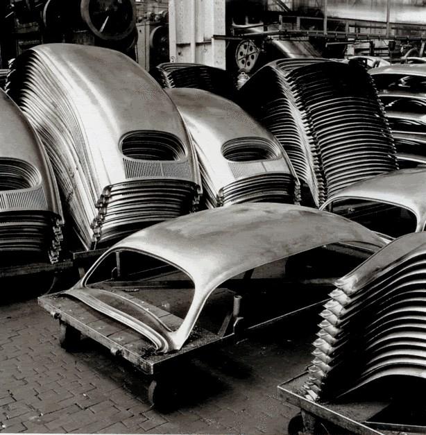 Старые фотографии с завода Фольксваген, производство Фольскваген Жук (10)