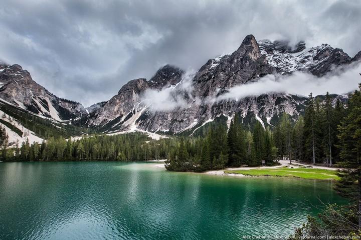 Озеро Брайес (Lago di Braies) в Италии (1)