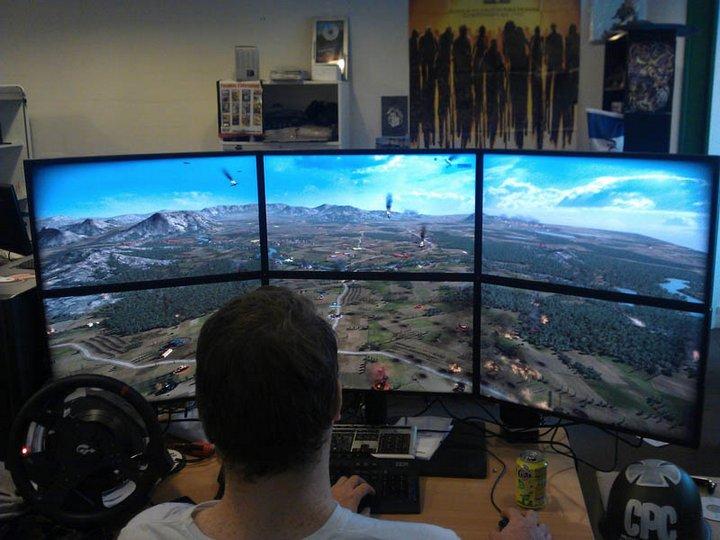 Самые лучшие рабочие места с компьютером (1)