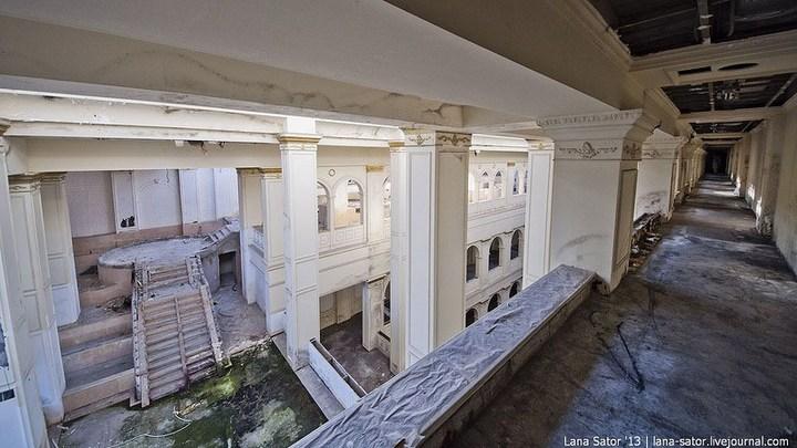 Абандон. Заброшенная пятизвездочная гостиница в Питере (10)