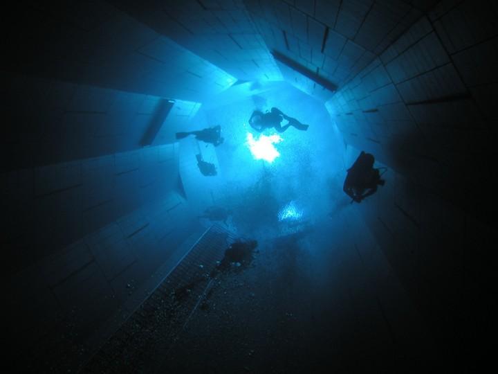 Самый глубокий бассейн в мире расположен в Бельгии (5)