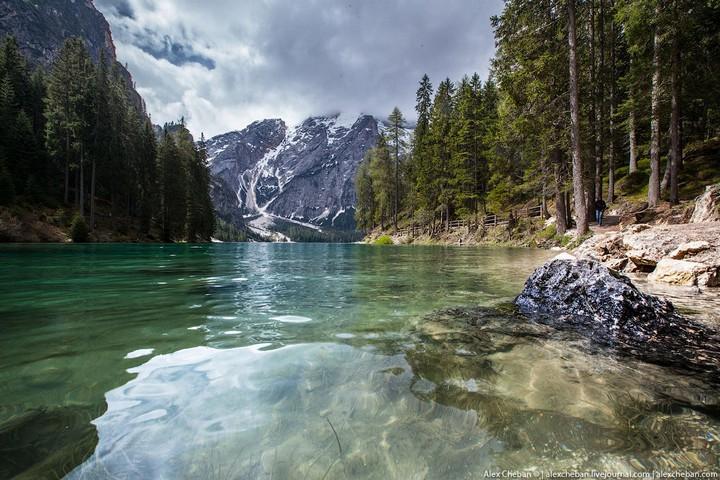 Озеро Брайес (Lago di Braies) в Италии (11)