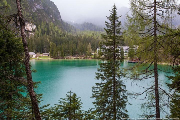 Озеро Брайес (Lago di Braies) в Италии (14)