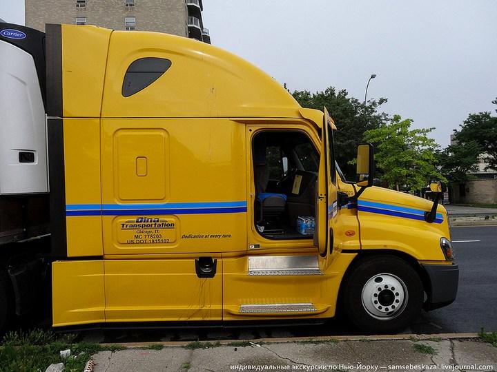 Американский грузовик Freighliner Cascadia внутри кабины, как выглядит американский тягач внутри, органы управления (15)