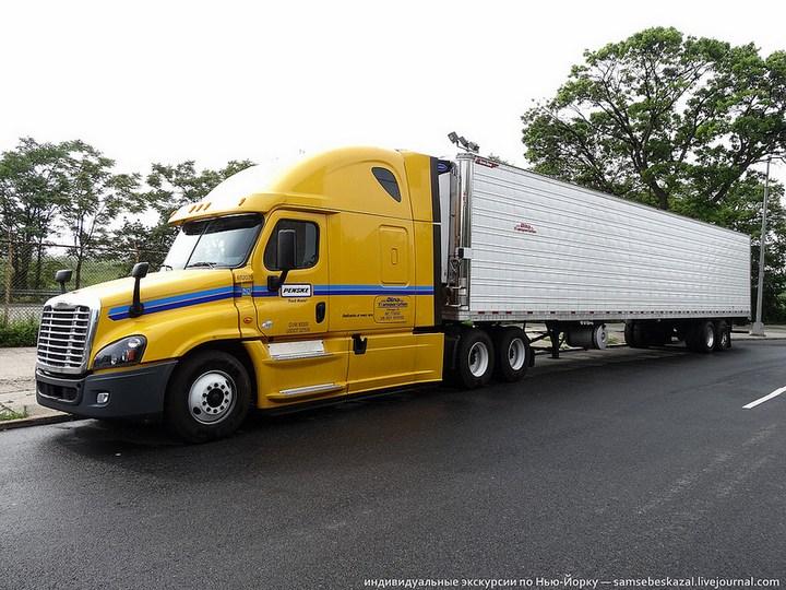 Американский грузовик Freighliner Cascadia внутри кабины, как выглядит американский тягач внутри, органы управления (17)