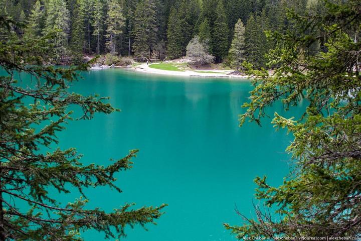 Озеро Брайес (Lago di Braies) в Италии (18)