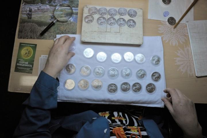 Как делают деньги на монетном дворе (11)