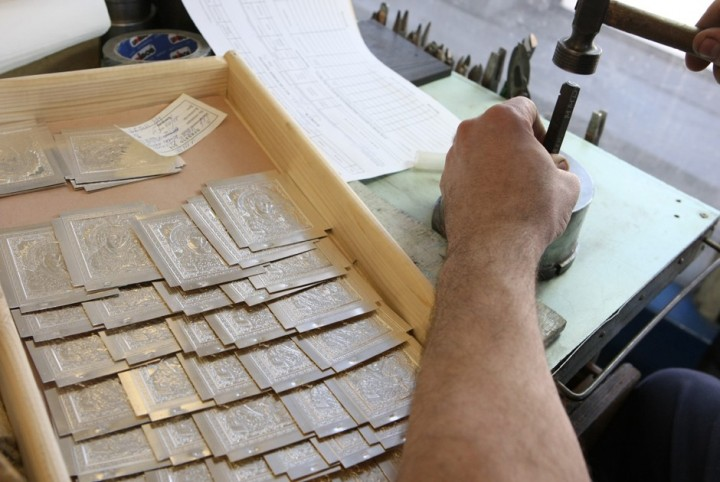 Как делают деньги на монетном дворе (16)