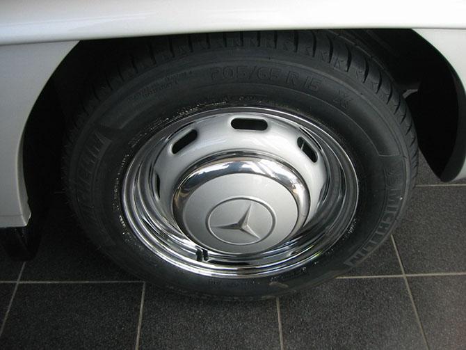 Mercedes 300SL «Gullwing» своими руками (55)