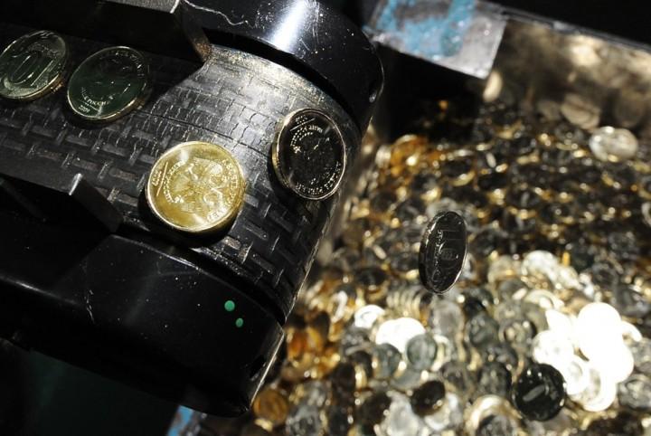 Как делают деньги на монетном дворе (6)