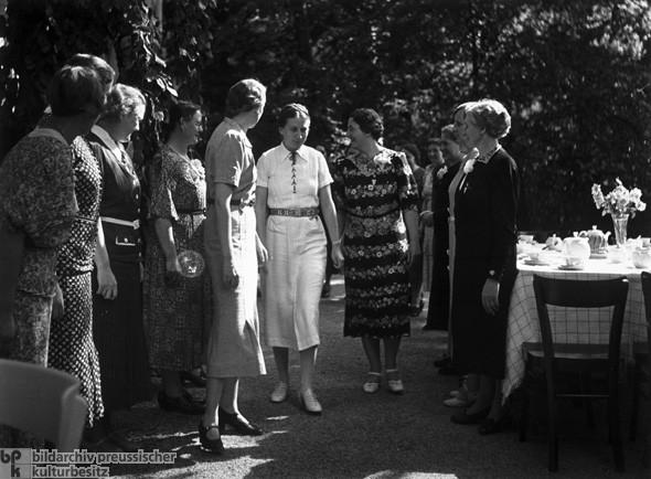 Школа подготовки жён в нацистской Германии (6)