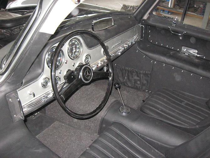 Mercedes 300SL «Gullwing» своими руками (87)