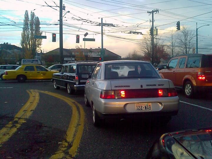 Русские машины на улицах Америки и Канады (1)