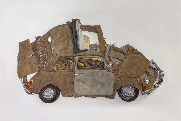 Спрессованные, раздавленные старые машины как искусство (13)